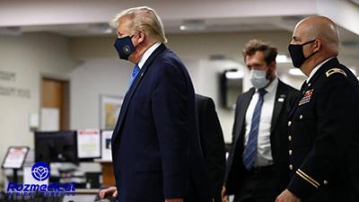 ترامپ در حال بازدید از یک مرکز نظامی